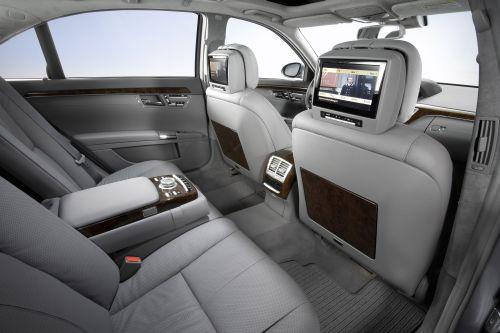 luxus limousinen mieten business shuttle service. Black Bedroom Furniture Sets. Home Design Ideas