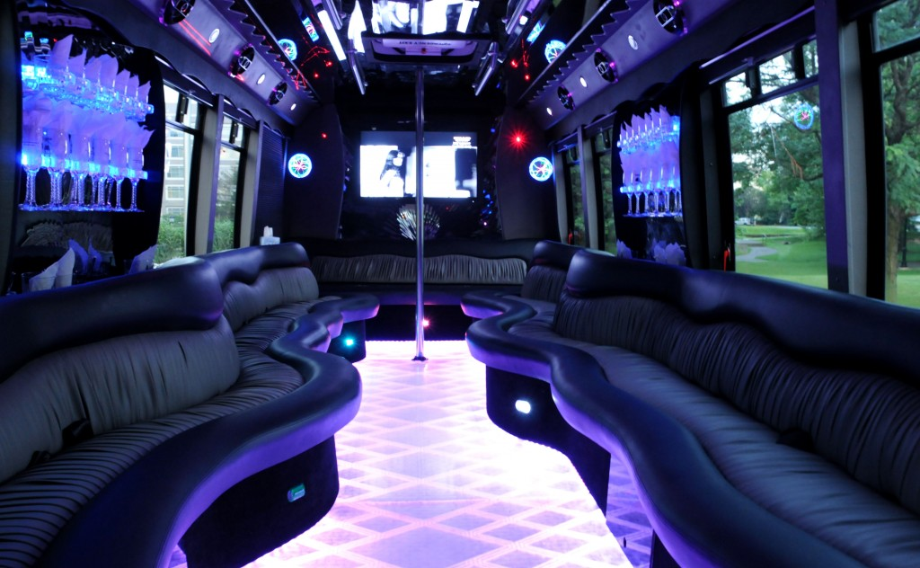 us partybus mieten. Black Bedroom Furniture Sets. Home Design Ideas